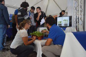 Transferencia bioproductos en 5º Encuentro Hortícola: Presentan nuevas formas de fertilizar hortalizas a  cerca de 250 agricultores de la región