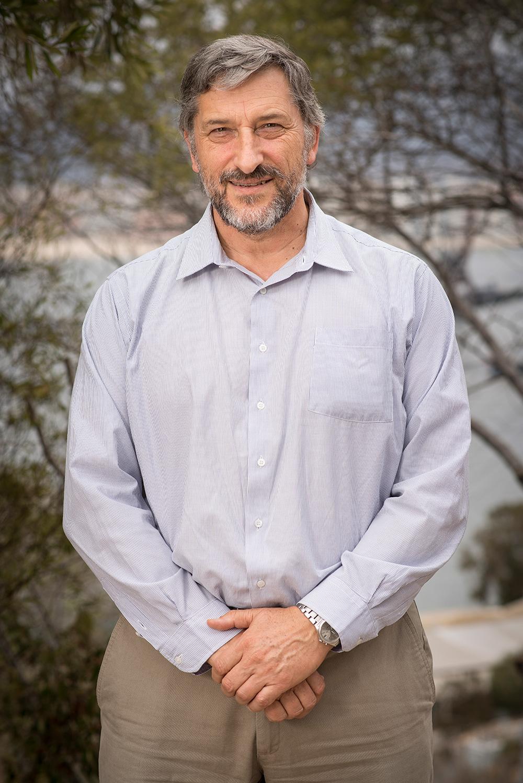 Dr. Federico Winkler