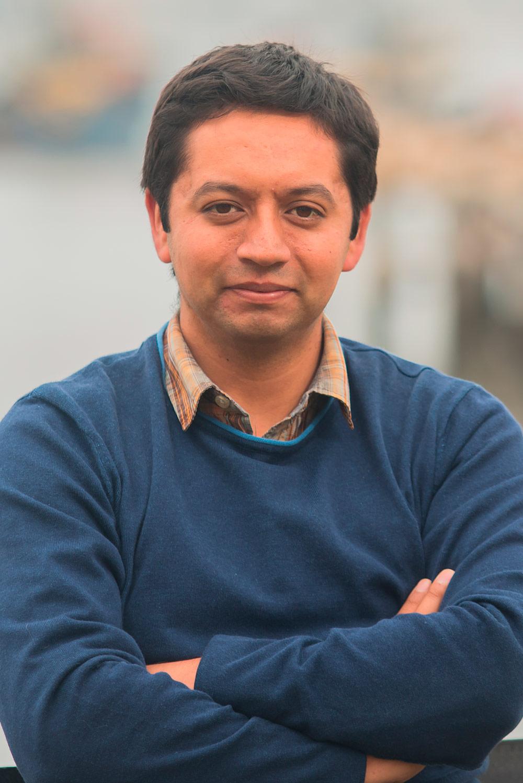 Dr. Claudio Álvarez