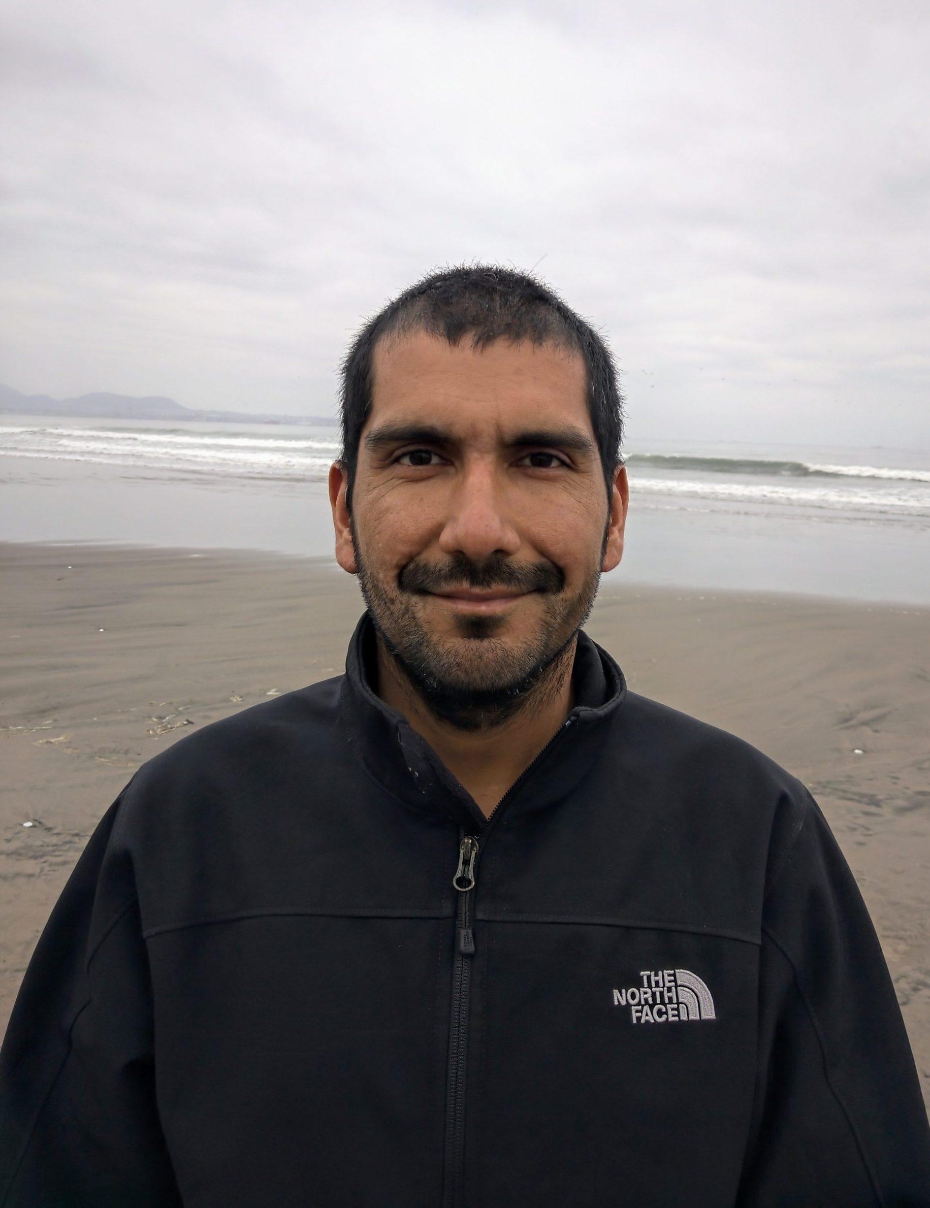 Dr. Carlos Henríquez