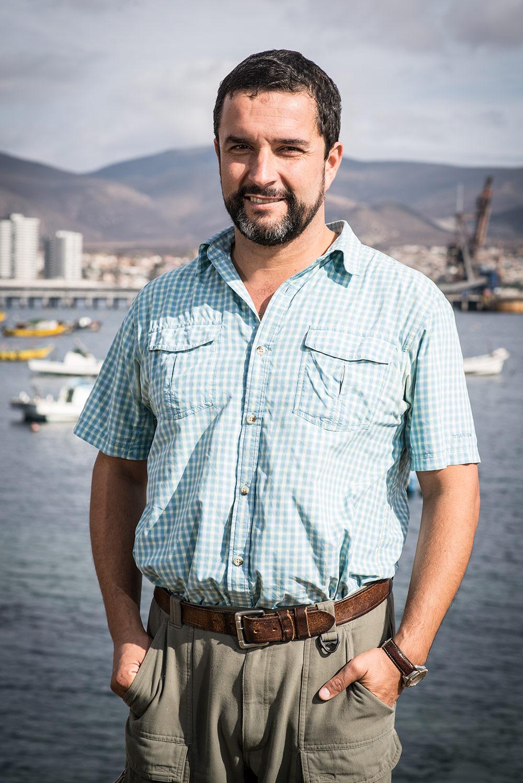 Dr. Carlos Gaymer