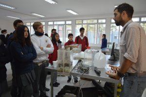 Uno de los numerosos trabajos científicos que pudieron conocer los escolares y profesores en la jornada fue la labor en hidrología que realizan los científicos y profesionales del CEAZA.