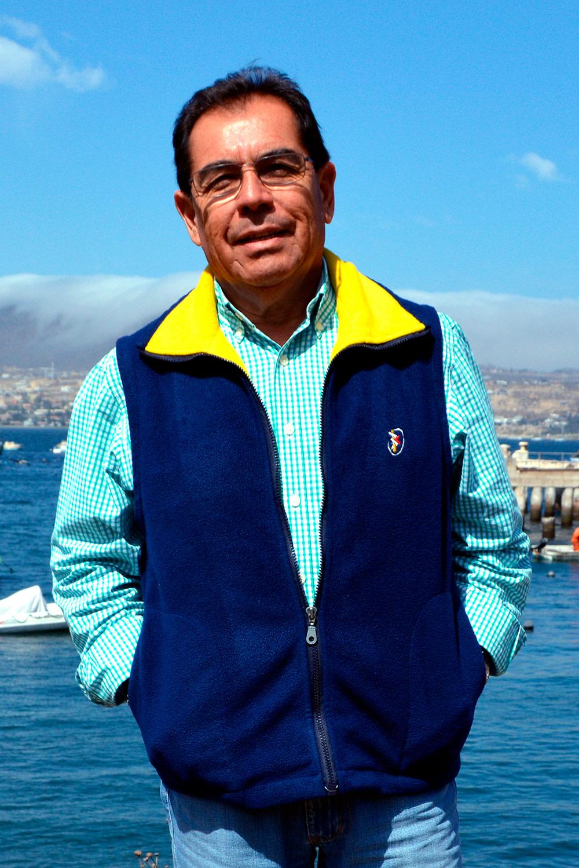 Dr. Julio Vásquez
