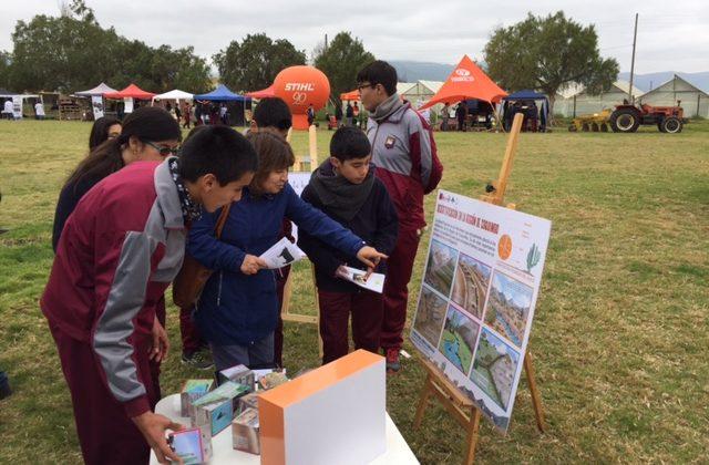 En el marco de la Feria Agro- Electrónica del establecimiento educacional:  Firman convenio de colaboración entre CEAZA y Liceo Agrícola de Ovalle
