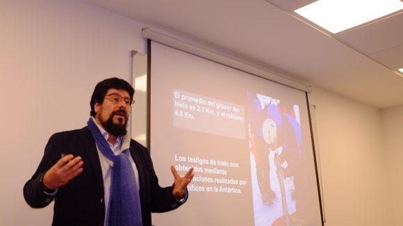 Representante del Instituto Antártico Chilenodictó charla y conoció el trabajo del CEAZA