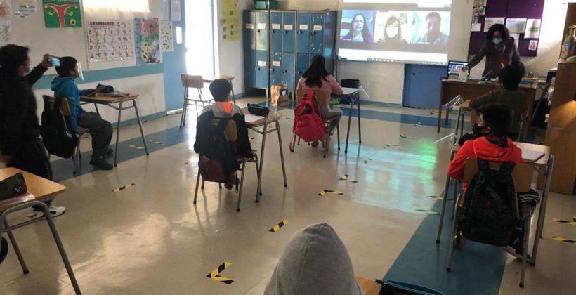 Parque Eólico Sarco y CEAZA implementan innovador programa de educación científica a distancia en escuela rural de Carrizalillo en la comuna de Freirina
